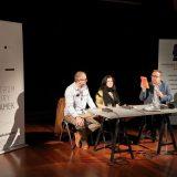 Od lewej: Cezary Ostrowski, Julia Szychowiak. Piotr Śliwiński. Seryjni Poeci. Fot. M. Kaczyński © CK ZAMEK