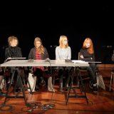 Od lewej: Eliza Szybowicz, Gizella Bortel, Izabela Jułga, Marta Maciejewska, Joanna Witczak, Filip Modrzejewski. Fot. M. Kaczyński © CK ZAMEK